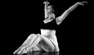 Adult's modern dance classes